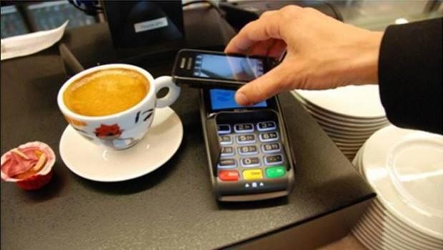 Paiement par carte bancaire : les Français préfèrent la CB au Smartphone !